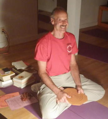 A picture of Swami during Kriya Yoga Theory 2 session.